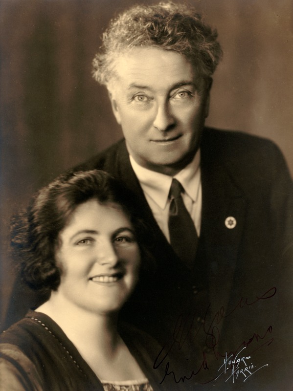 Joe and Enid Lyons during the Federal election campaign of 1931, which brought Joe the Prime Ministership.
